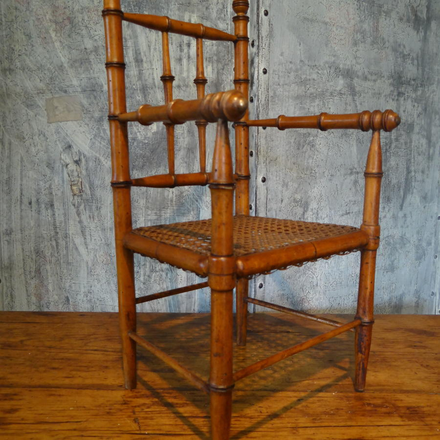 Faux bamboo fauteuil